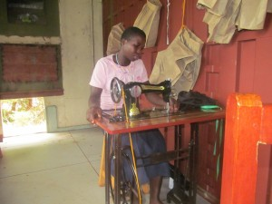 ARUWE - Sewing (1)